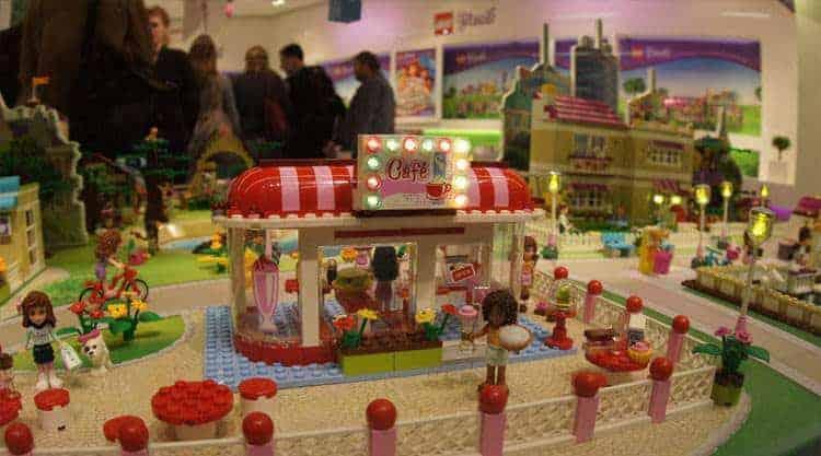 Jeden z powodów dalszego wzrostu sprzedaży - Lego Friends.